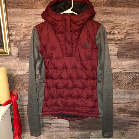 204182f41 The north face mashup pullover. SzS. NWOT.